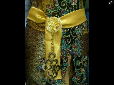 Obi Gold Kebaya