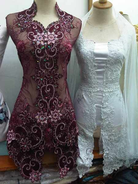 Two Kebaya Maroon and Kebaya Putih