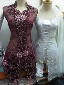 Kebaya merah maroon and white